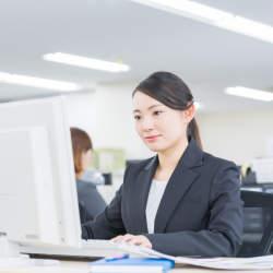 黙々と仕事をやるタイプは仕事が遅い?仕事が遅いと怒られる人が陥りがちな3つのこと