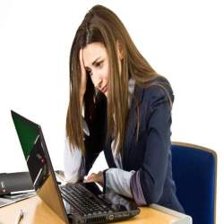 今日からノンストレス!オフィスを快適空間に変える女性におすすめオフィスグッズ4選