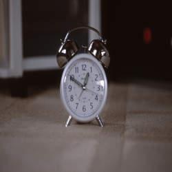 途中で放り出すのは絶対ダメ!仕事の時間が足りなくなってしまった時にすべき対処法