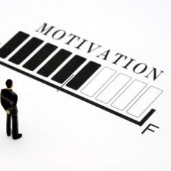 残業中に仕事の疲れを感じた時に簡単にできるモチベーションアップの方法