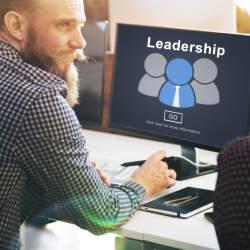 """""""成長""""のためには周りの力を活用せよ!上司に仕事のフィードバックを求めることで生まれるメリット"""