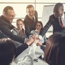 """リーダーシップとは""""信頼""""である:経営学の巨人・ドラッカーに学ぶ「リーダーシップの定義」"""