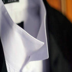 ノーネクタイでもキマる!クールビズのシャツのおしゃれな着こなし4選