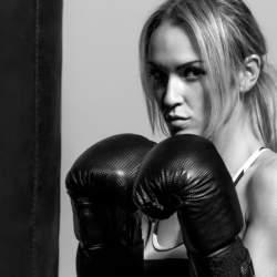 強靭な精神力で仕事を乗り切る!逆境に負けないメンタル強化トレーニング法