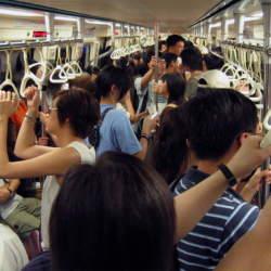 あなたは通勤時間なにしてる?大きく差が出る通勤中の1時間の使い方