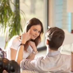 コミュニケーションと雑談の違いとは?オフィスで許される会話の境界線