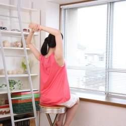 首が痛い…もこれで解消!首の痛みに悩まされず仕事をするには?