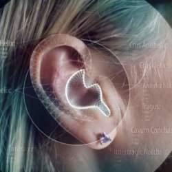 自分の耳をスマホで撮影するだけ!3Dプリンターで作る自分専用イヤホンが近未来すぎる