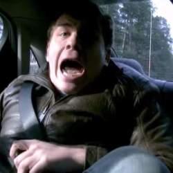 【動画】過激すぎるペプシのドッキリ!失神寸前のターゲットは、暴走タクシーから降りられるのか…
