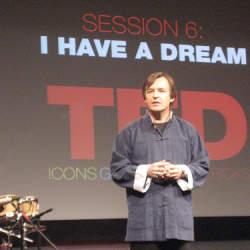 『TED 驚異のプレゼン 人を惹きつけ、心を動かす9つの法則』に学ぶ人を惹きつけるプレゼンの法則