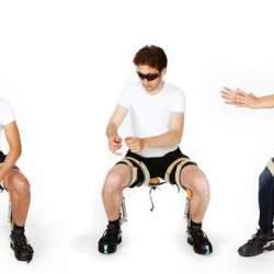 空気椅子なのに疲労0!どこでも座れる外骨格ウェアなチェアレス・チェアが画期的過ぎる