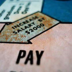 景気回復で公務員の給料が上がるかも!公務員と民間の給料の関係「民間準拠」について解説してみた