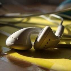 イヤホンに合わせて音を変える?超簡単にスマホが音質向上する音楽アプリ「Accudio Free」