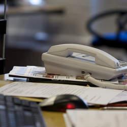 電話応対は「企業の顔」!しっかりと相手の話を聞き、マナーを守った言葉遣いを心がけよう