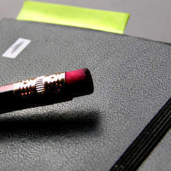 上司とのコミュニケーションツールとして活用しよう!毎日の仕事で書く報告書の書き方