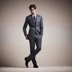 スーツの価格はいくらが妥当?スーツにかけるお金の平均とグレードの話