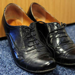 無難な靴下からは卒業。スーツスタイルに合わせるメンズソックスの選び方