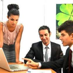 新入社員に頼られる先輩社員になろう。そのために身につけたい三つの「心得」とは