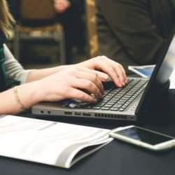 インターネットが登場で、ビジネスはどう変わったのか? 『ITビジネスの原理』