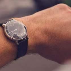 その姿は高級時計そのもの。僕たちが求めていたスマートウォッチはコレかもしれない