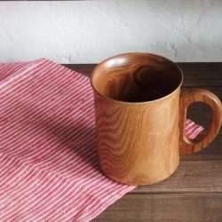 不思議と落ち着く木の温もり。リラックスタイムはどこか優しい木製マグカップで。