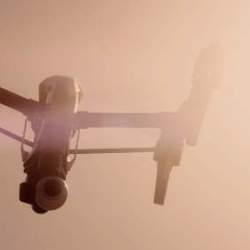 1km以上の飛行、高性能なカメラ、そして変形…かっこ良すぎる空撮ドローン「Inspire 1」