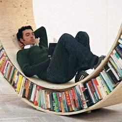 眺めているだけでワクワクする、お気に入りの本に囲まれて過ごせるこだわりの本棚5選