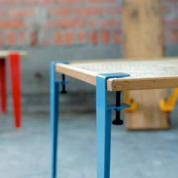 DIY感覚で楽しめる。あらゆる板を机に変える魔法の脚でオリジナリティ溢れるテーブルをつくろう