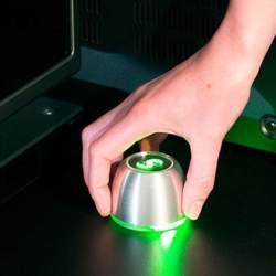 リモコンなんて必要ない。スマホと連携してジェスチャーで操作できる「SPIN remote」