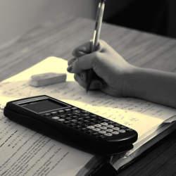 資格勉強の時間を捻出するためには、朝と夜の自由時間を見直すことが不可欠