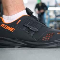 もうほどける靴紐とはおさらば。靴紐がないのに足にフィットするシューズ「Powerlace」