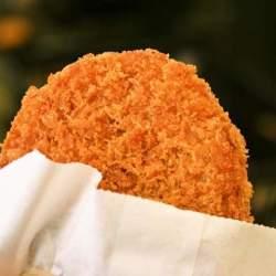 おやつ片手にぶらり食べ歩きの休日。東京で味わうテイクアウトグルメ4選