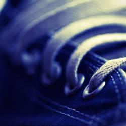 軽い靴ばかりがいいとは限らない。初心者向けのランニングシューズは軽さよりもクッション性が重要