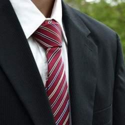 ワンランク上のオシャレを楽しもう! プライベートでもスーツを着こなすテクニック