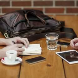 『なぜあの人は会話がつづくのか』話題が無くても自然な会話が生まれるトーク術