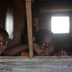 エボラ感染拡大国に立ちはだかる経済復興の壁 国連で感染国が支援要請へ