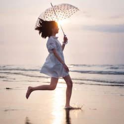 皆の悩みのタネ「雨の日ファッション」。賢くオシャレなコーディネートで寒さも汚れも気にならない!
