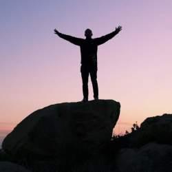 『なぜ非常識な人ほど成功するのか』 常識から少し外れた、3つのブレイクスルー仕事術