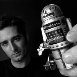 【スマホ戦国時代】発展し続けるスマホの未来。次の変化は画面と分離orロボット化!?