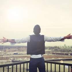 「幸福」とは心でなく行動で決まるものらしい 『「幸せ」について知っておきたい5つのこと』