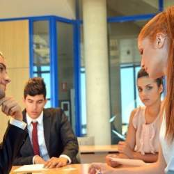 部下の「仕事と育児の両立」も上司の仕事。部下の働き方を担う新しい立場「イクボス」とは?