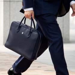 スーツスタイルを引き立てる名脇役。こだわりのBIZ小物で洗練された印象を手に入れる