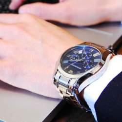 ルールを守ってスマートなビジネスマンに。スーツに合わせる腕時計、3つの掟