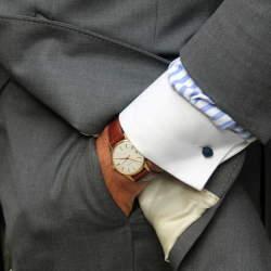 ビジネスシーンに最適な時計の選び方。4つの条件を守れば、恥をかかない常識あるオトナに