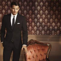 スーツスタイルのシルエットを美しく。サイズ感の合った「パンツ」選びには3つのルールが欠かせない