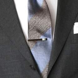 知らないと恥ずかしい基本マナー|スーツに着けるアクセサリーのOK・NGラインとは?