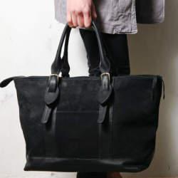 新しいカバンで街へ出掛けよう。品よく使えるトートバッグでトレンドを持ち歩く
