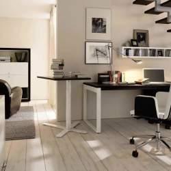 家で仕事をしている人へ。ちょうど良いリラックス感で集中できる、ホームオフィスインテリアのすすめ