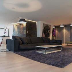 インテリアのアクセントになるだけじゃないラグ。部屋の雰囲気を壊さず使えるラグの用途と選び方
