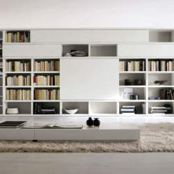 本をスマートに収納すると、インテリアとして美しくみえる。スペースを活用した本棚の収納実例まとめ